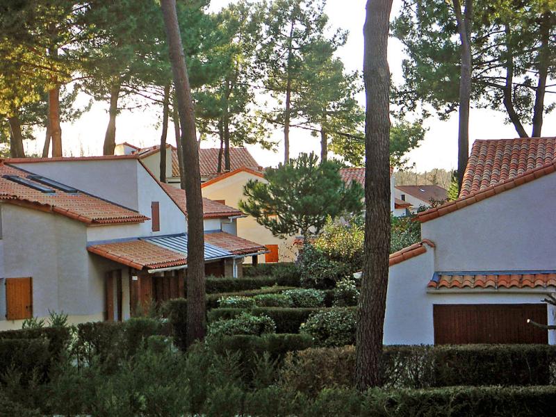 Le hameau de talaris 148651,Cuarto de hotel en La Palmyre, Charente-Maritime, Francia  con piscina privada para 4 personas...