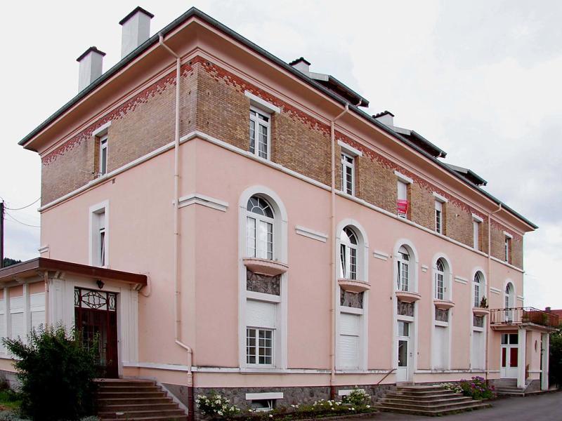 Kelche 149472,Cuarto de hotel en Gerardmer, Lorraine, Francia para 4 personas...