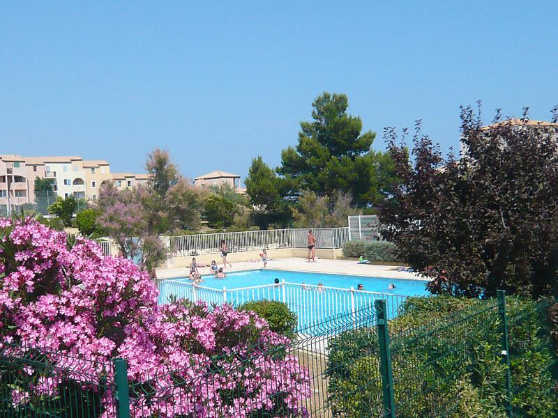 Les terrasses de la mditrrane 149817,Cuarto de hotel  con piscina privada en Saint-Pierre-La-Mer, Central Pyrenees, Francia para 4 personas...