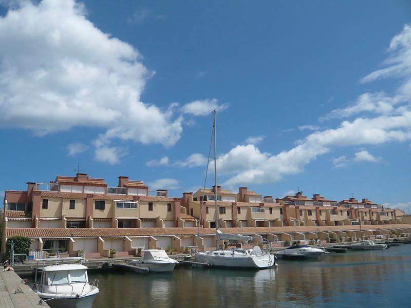 Les mridiennes 149847,Cuarto de hotel en Gruissan, Languedoc-Roussillon, Francia para 4 personas...