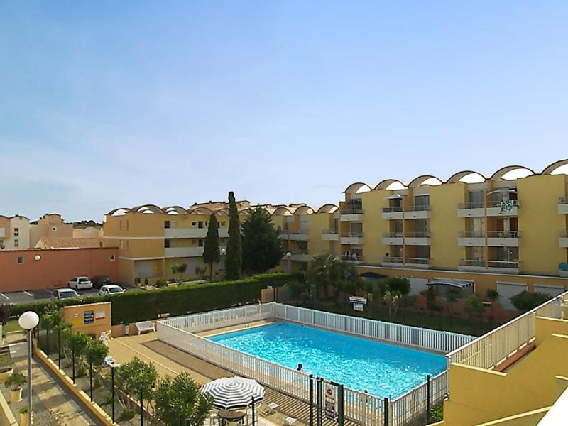 Les logis du languedoc 149891,Cuarto de hotel  con piscina privada en Gruissan, Languedoc-Roussillon, Francia para 4 personas...
