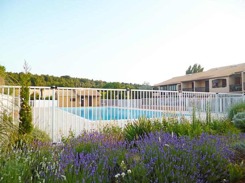 La feuilleraie 1410005,Cuarto de hotel en La Franqui, Central Pyrenees, Francia  con piscina privada para 4 personas...