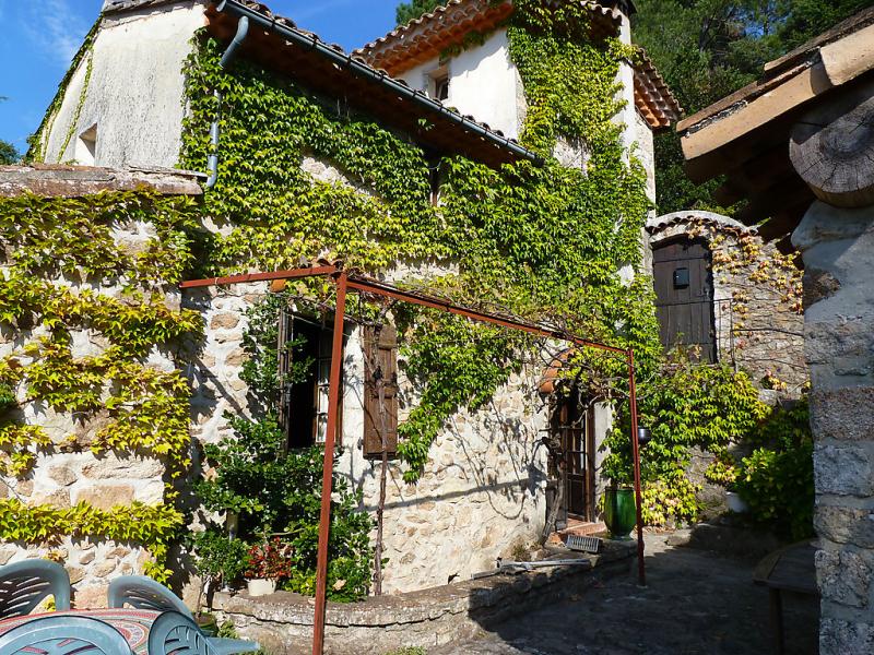 Les ondes 1410382,Casa rural en Saint-Jean-du-Gard, Lorraine, Francia  con piscina privada para 6 personas...