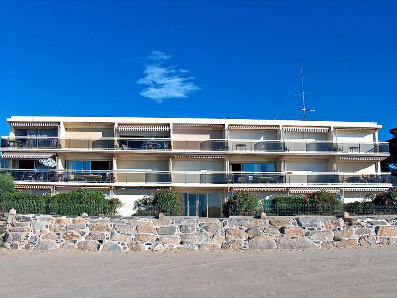 La plage 1411975,Cuarto de hotel en Cavalaire-sur-Mer, Provence-Alpes-Côte d'Azur, Francia para 4 personas...