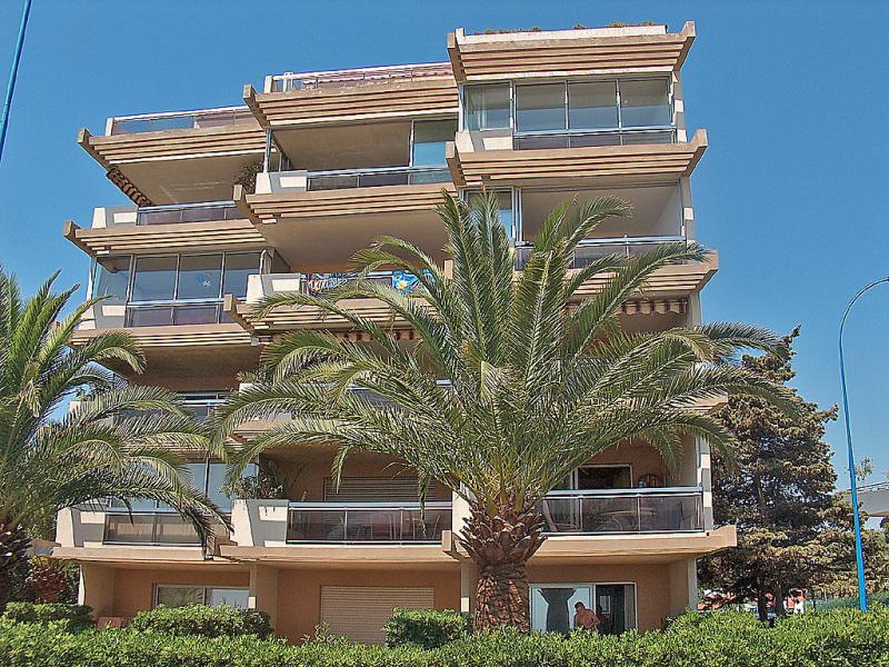 Angels bay 1412436,Cuarto de hotel en Villeneuve-Loubet, Provence-Alpes-Côte d'Azur, Francia para 2 personas...