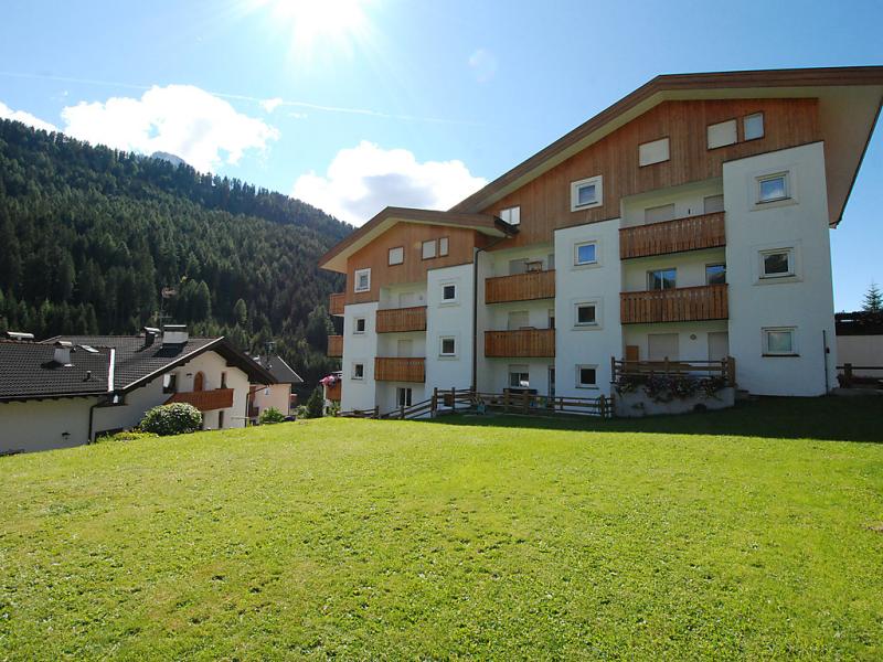 Cisles 1413874,Cuarto de hotel en Selva Gardena Wolkenstein, Dolomites, Italia para 4 personas...