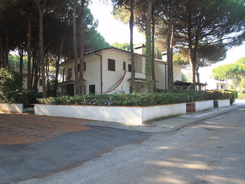 Marisa 1414116,Cuarto de hotel en Lido di Spina, Emilia-Romagna, Italia para 6 personas...