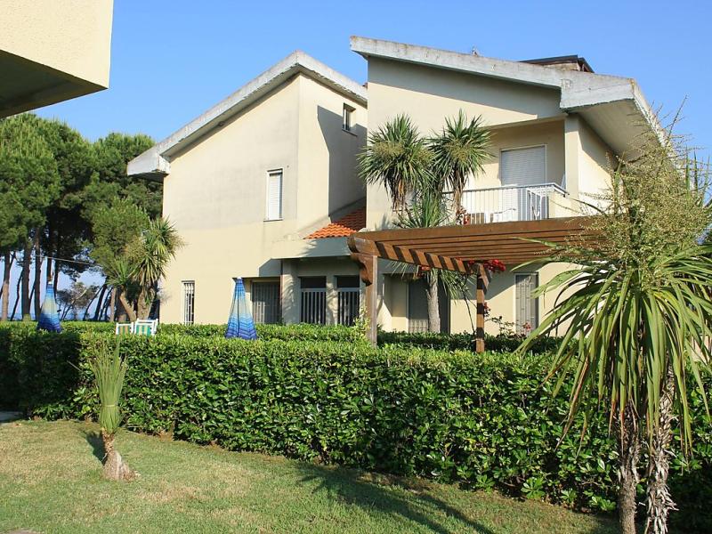 Cerrano 1414248,Cuarto de hotel en Silvi Marina, Abruzzo, Italia para 4 personas...