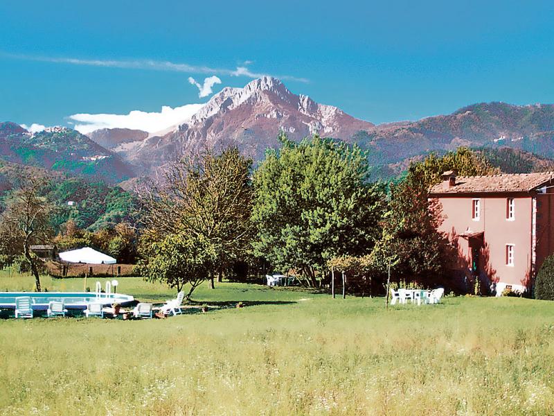 San bernardino 1414401,Casa rural  con piscina privada en Barga, en Toscana, Italia para 9 personas...