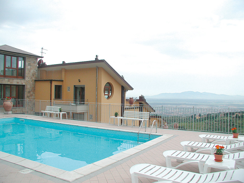 Relais 1414546, Hotel room in Vinci, in Tuscany, Italy  with private pool for 4 persons...