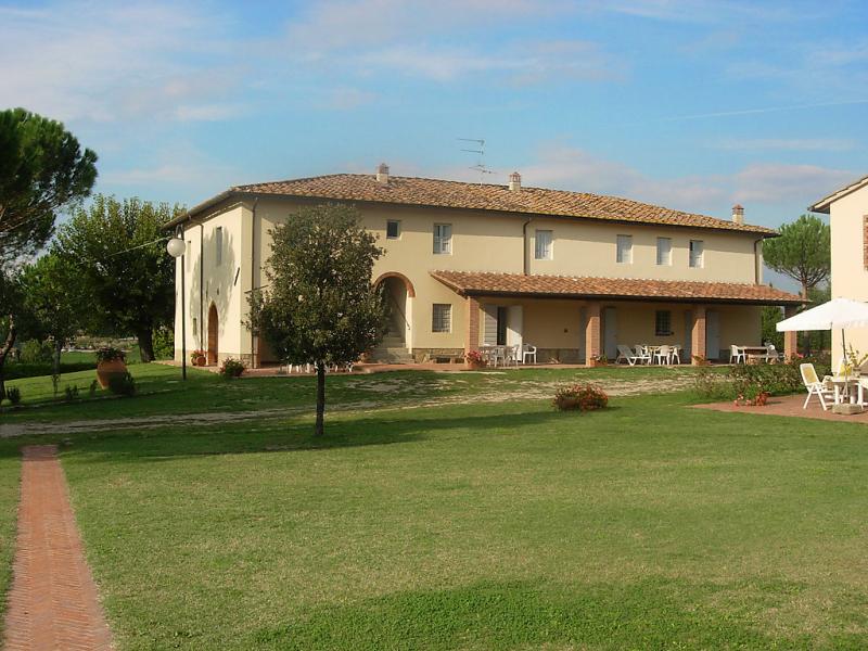 Mattone 1414627,Casa rural en Bucine, en Toscana, Italia  con piscina privada para 5 personas...