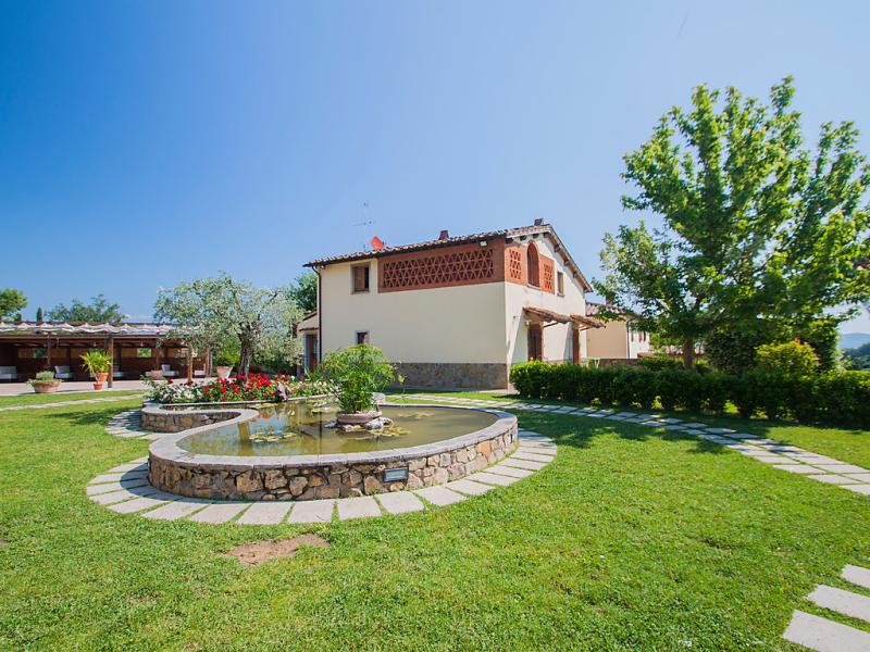 Arco 1414659,Casa rural  con piscina privada en Bucine, en Toscana, Italia para 4 personas...