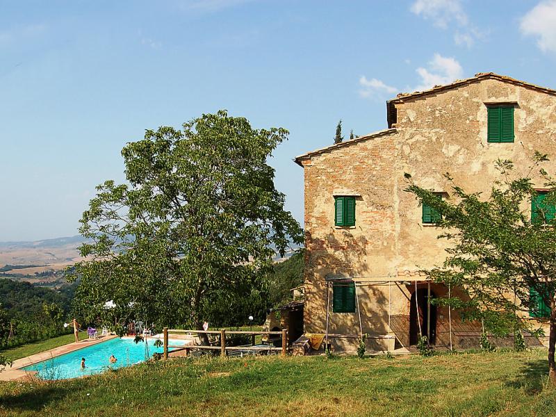 Podere valle di sotto 1414674,Casa rural en Volterra, en Toscana, Italia  con piscina privada para 9 personas...
