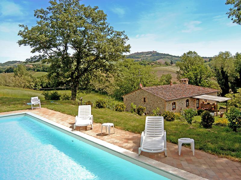 Podere s giovanni 1415070,Casa rural  con piscina privada en Casole d'Elsa, en Toscana, Italia para 12 personas...