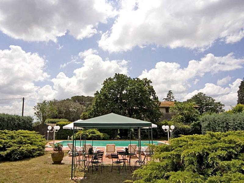 Cozzano 1415206,Casa rural en Castiglion Fiorentino, en Toscana, Italia  con piscina privada para 9 personas...