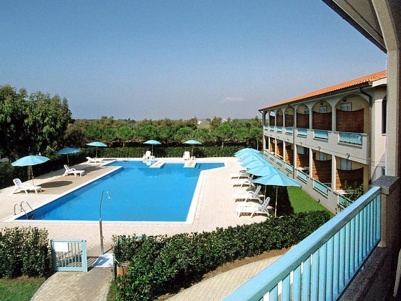 Vento 1415322,Cuarto de hotel  con piscina privada en Vada, Etruscan Coast, Italia para 4 personas...