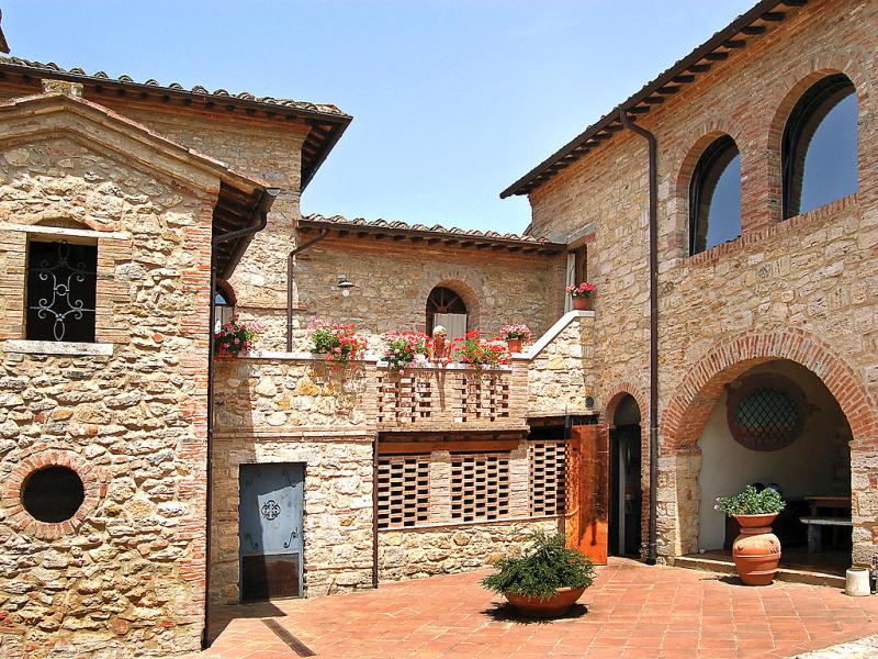 Casale ischieto 1415434,Casa rural  con piscina privada en Serre di Rapolano, Tuscany, Italia para 4 personas...