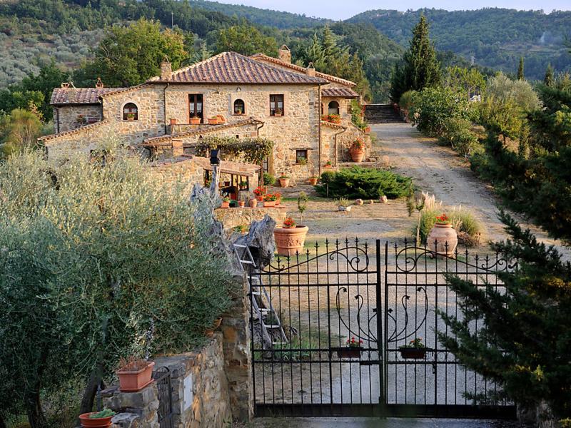 Poggio velluto 1415559,Casa rural en Castel del Piano, en Toscana, Italia  con piscina privada para 13 personas...