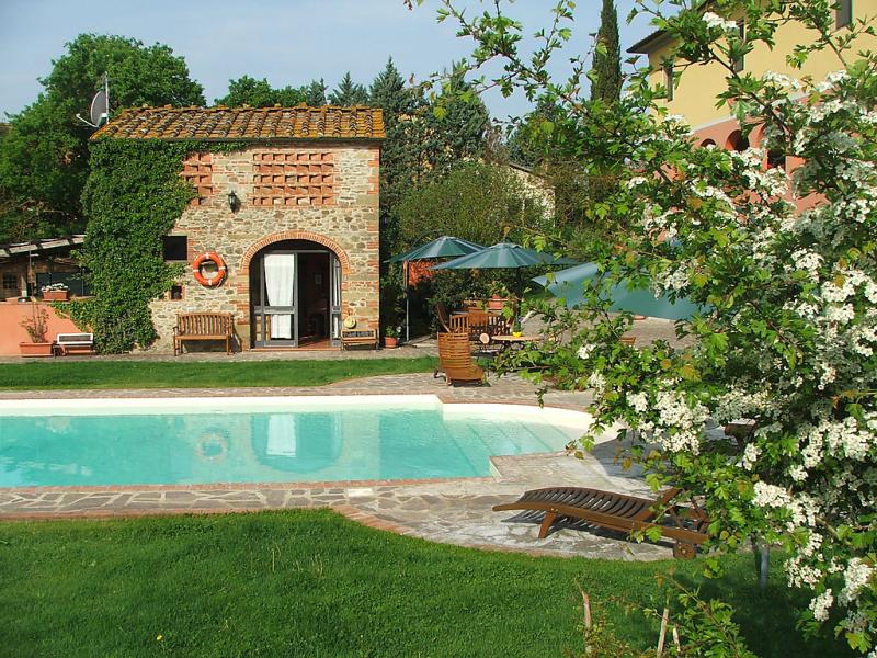 Tara 1415668,Casa rural  con piscina privada en San Giustino Valdarno, Tuscany, Italia para 4 personas...