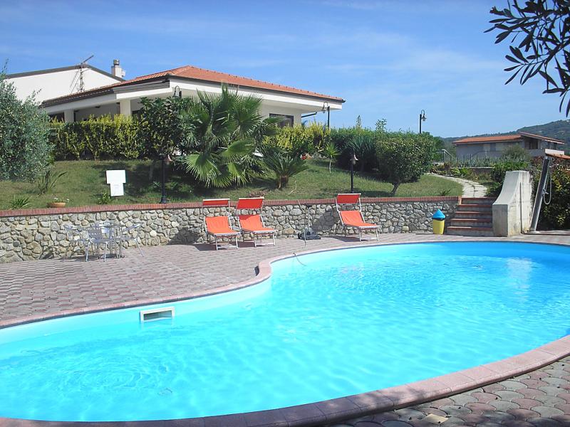 Grillia sea view 1416174,Cuarto de hotel en Santa Maria di Ricadi, Reggio Calabria, Italia  con piscina privada para 4 personas...
