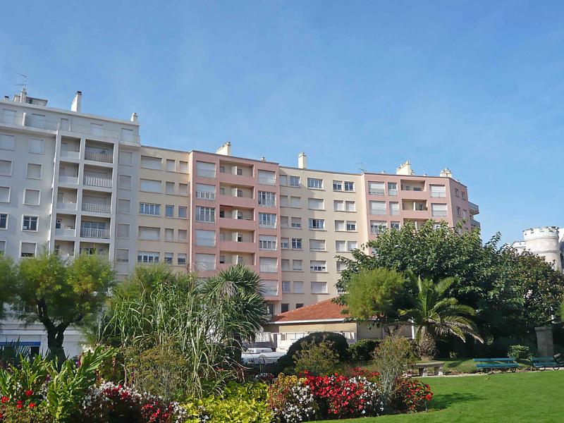 Ocanic 1420147,Cuarto de hotel en Biarritz, Aquitaine, Francia para 3 personas...