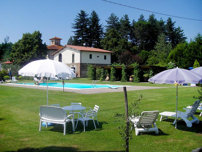Edera 1420279,Casa rural en Reggello, en Toscana, Italia  con piscina privada para 4 personas...