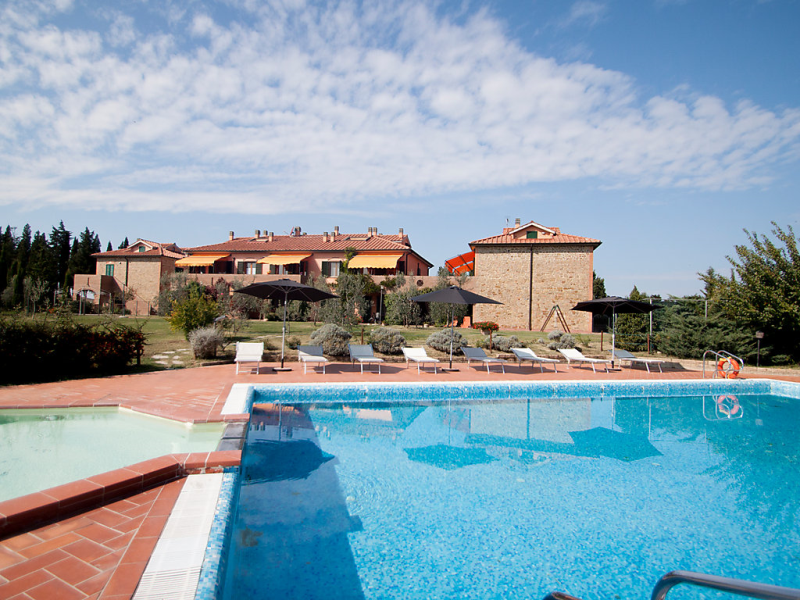 Girasole 1420987,Cuarto de hotel  con piscina privada en Montaione, en Toscana, Italia para 6 personas...