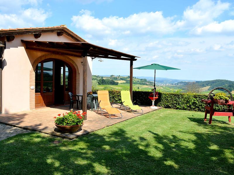Lazalea 1421568,Casa rural en San Gimignano, en Toscana, Italia  con piscina privada para 4 personas...