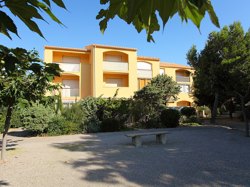 Les gents 1427775,Cuarto de hotel en Saint-Pierre-La-Mer, Central Pyrenees, Francia para 4 personas...