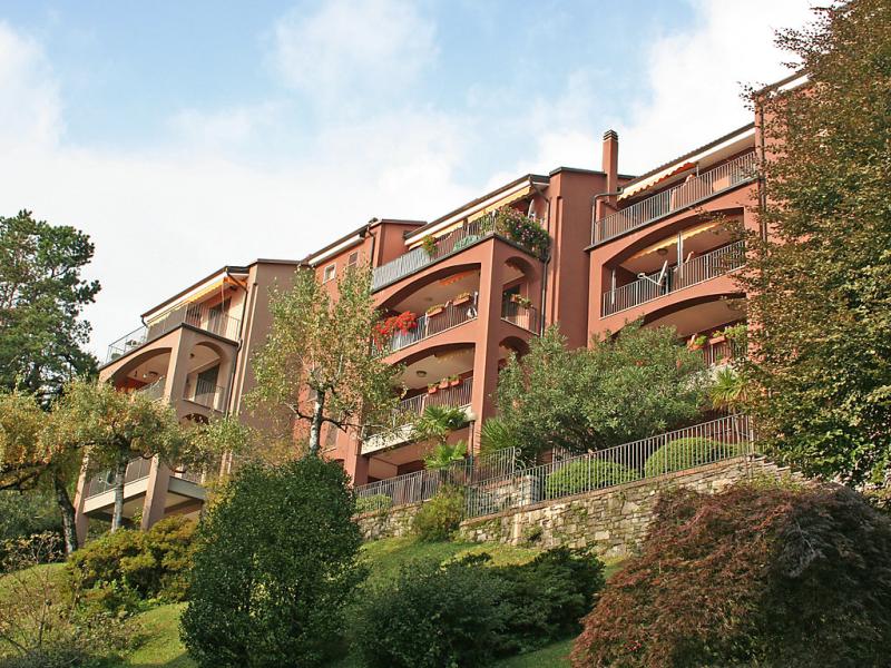 Residenza del pasci 1428047,Cuarto de hotel en Oggebbio, Piedmont, Italia  con piscina privada para 8 personas...