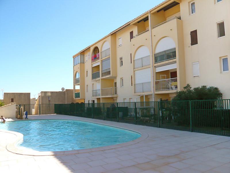 Les hauts de st pierre 1429937,Cuarto de hotel  con piscina privada en Saint-Pierre-La-Mer, Central Pyrenees, Francia para 4 personas...