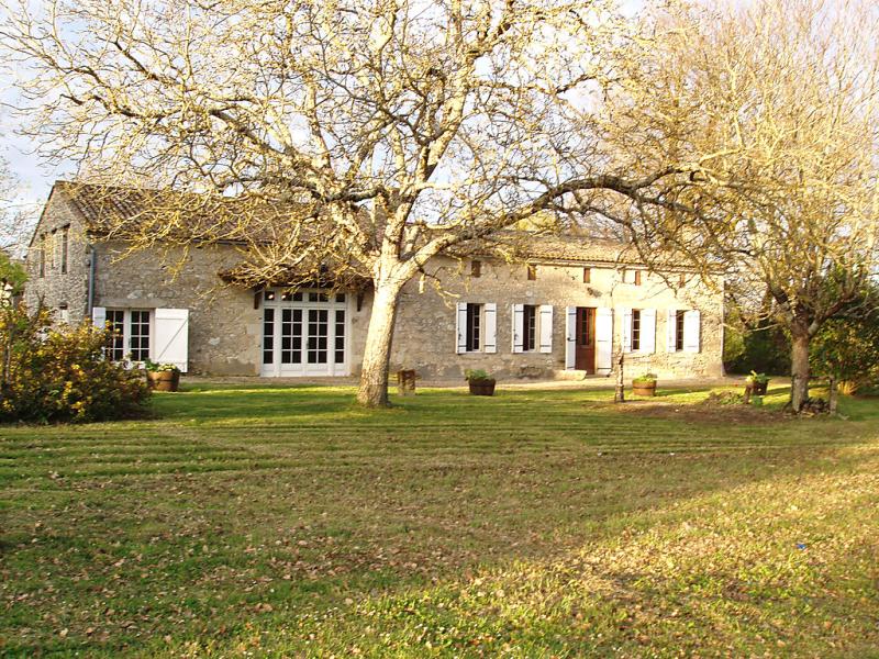 La raze 1431451,Casa rural en Montcaret, Dordogne, Francia  con piscina privada para 12 personas...