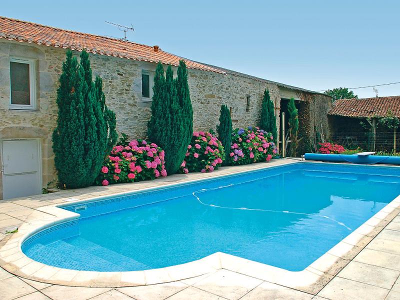 Le clos des vignes 1432074,Casa rural en Legé, Loire Country, Francia  con piscina privada para 8 personas...