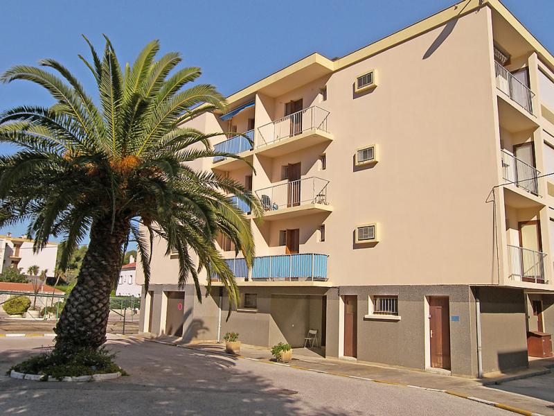 Mer et soleil i 1432386,Cuarto de hotel en Bormes-les-Mimosas, Côte d'Azur, Francia para 4 personas...
