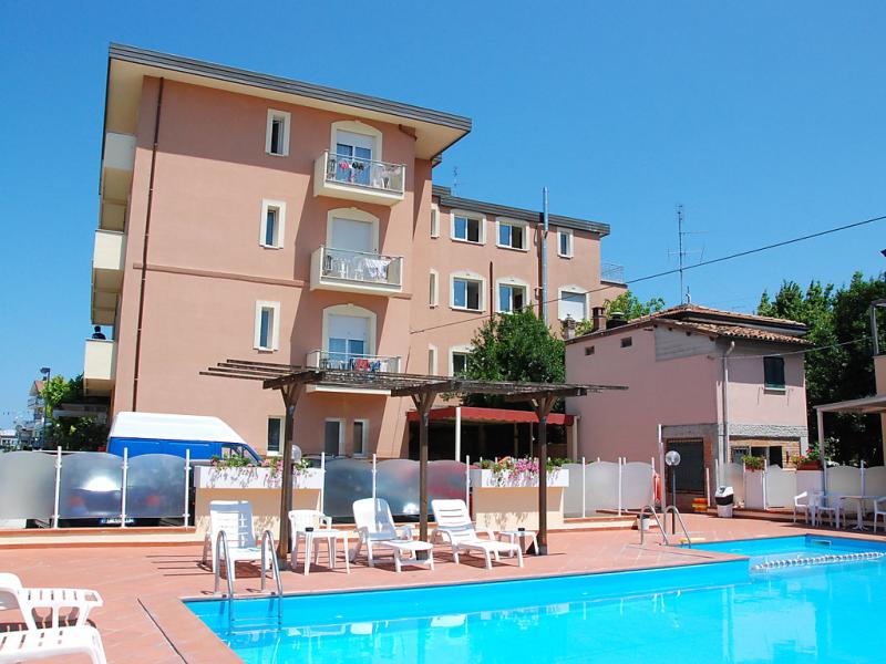 1433073,Cuarto de hotel  con piscina privada en Torre Pedrera, Emilia-Romagna, Italia para 2 personas...