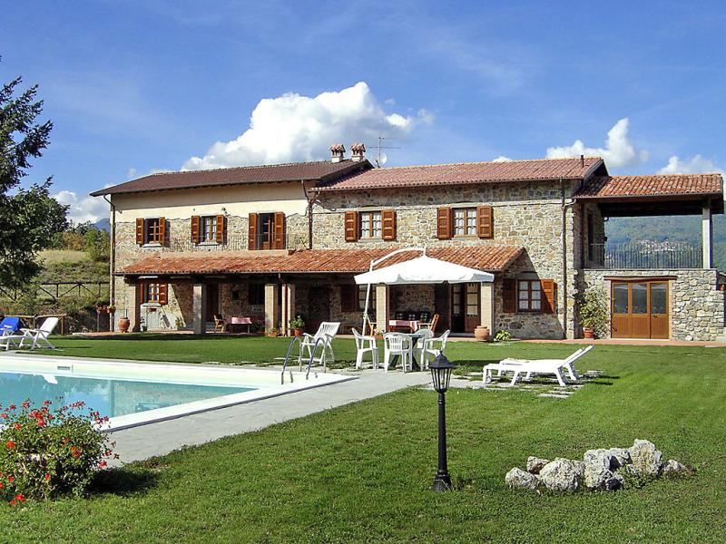 La fenice 1433172,Casa rural  con piscina privada en Castelnuovo di Garfagnana, en Toscana, Italia para 16 personas...