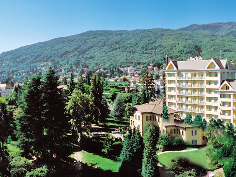 Carldo 1433525,Cuarto de hotel  con piscina privada en Baveno, Piedmont, Italia para 3 personas...