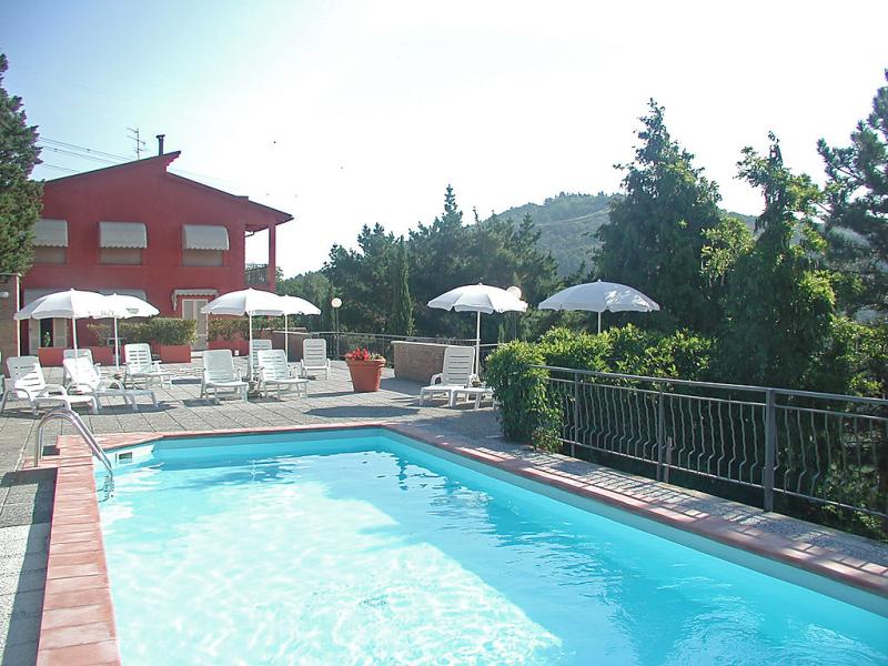 Il cipresso 1433943,Cuarto de hotel en Vinci, en Toscana, Italia  con piscina privada para 4 personas...