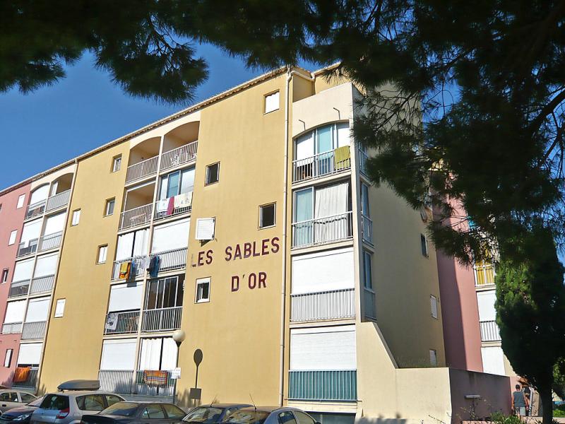 Les sables dor 1434551,Cuarto de hotel en Le Grau-Du-Roi, Languedoc-Roussillon, Francia para 4 personas...