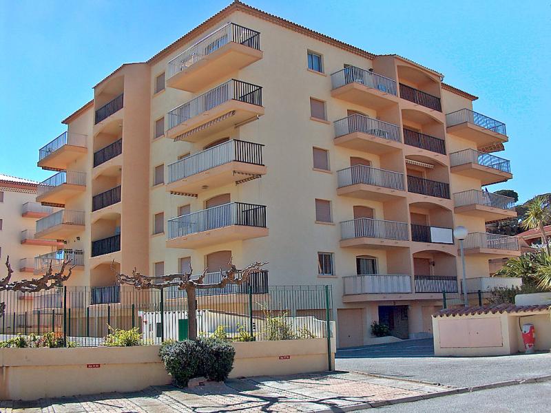 Palmeraie ii 1440710,Cuarto de hotel  con piscina privada en Sainte-Maxime, en la Cote d'Azur, Francia para 2 personas...