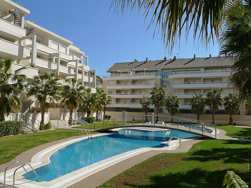 Res elgance 1441440,Cuarto de hotel  con piscina privada en Dénia, Alicante, España para 4 personas...