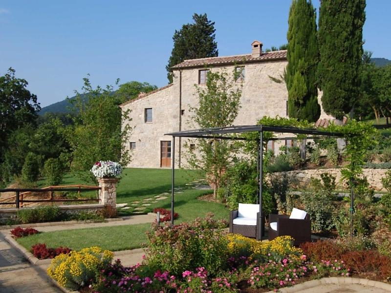 Grillo 1445513,Casa rural  con piscina privada en Sarteano, en Toscana, Italia para 6 personas...