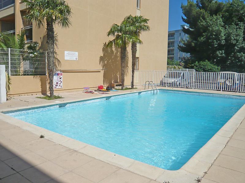 La palmeraie 1449457,Cuarto de hotel  con piscina privada en Cavalaire-sur-Mer, Provence-Alpes-Côte d'Azur, Francia para 4 personas...