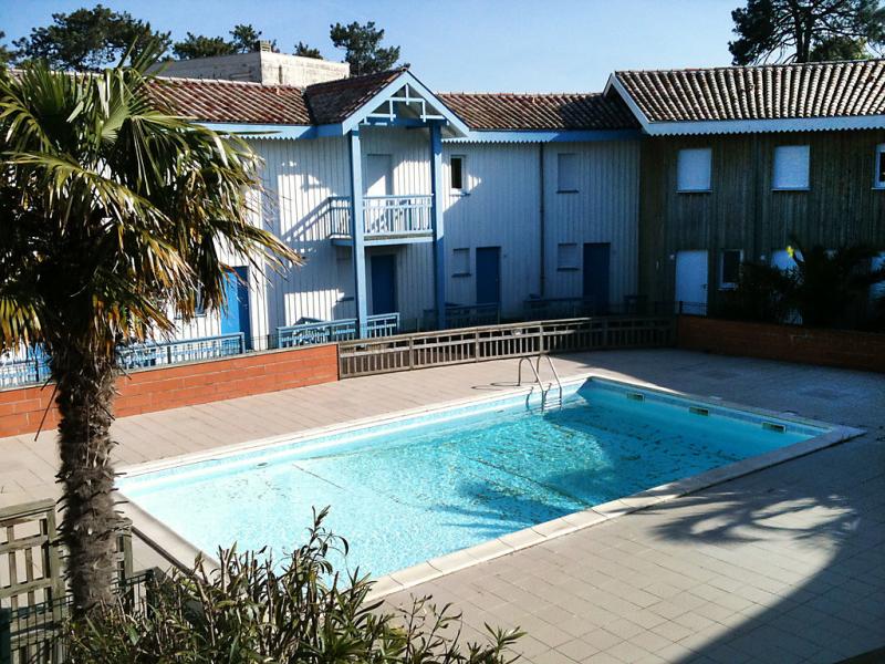 La canonnire 1449636,Cuarto de hotel  con piscina privada en Cap Ferret, Gironde, Francia para 4 personas...