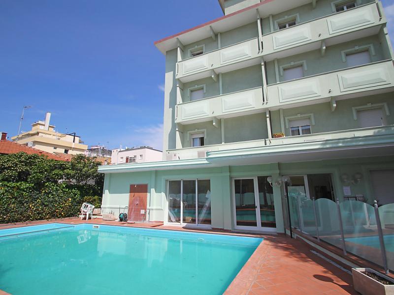 1453403,Cuarto de hotel  con piscina privada en Rimini, Emilia-Romagna, Italia para 2 personas...