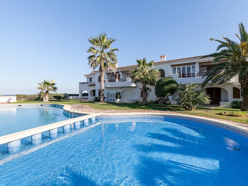 Nueva playa 1454271,Cuarto de hotel  con piscina privada en Dénia, Alicante, España para 4 personas...