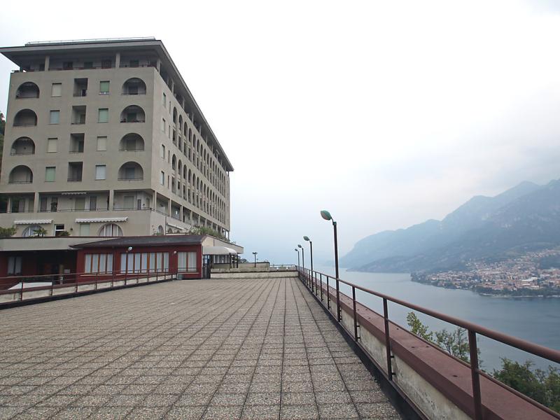 Apt 138 1456303,Cuarto de hotel en Onno, Lake Como, Italia  con piscina privada para 3 personas...