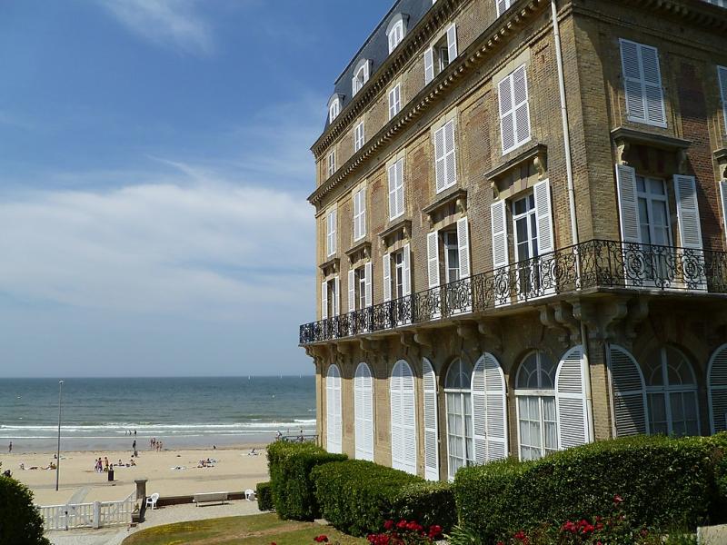Les roches noires 1458245,Cuarto de hotel en Deauville, Calvados, Francia para 2 personas...