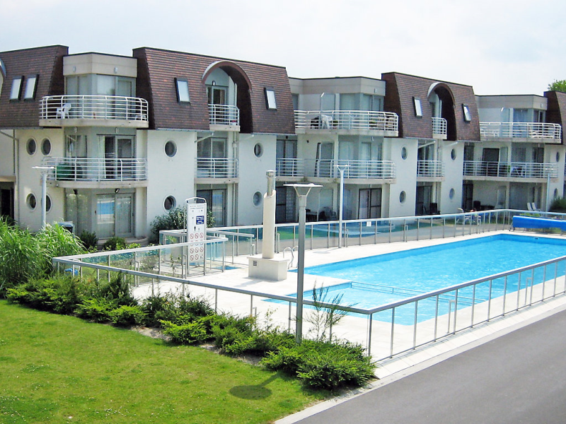 Deauville ii ref 144 1460199, Hotel room in Bredene (Duinen), West Flanders, Belgium  with private pool for 5 persons...