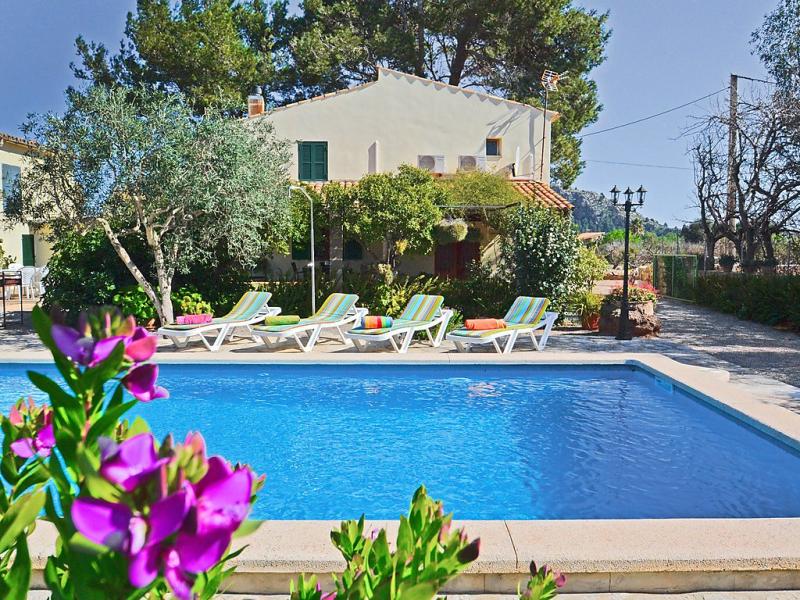 Cuxach den joan 1461042,Casa rural en Pollença, Mallorca, España  con piscina privada para 8 personas...